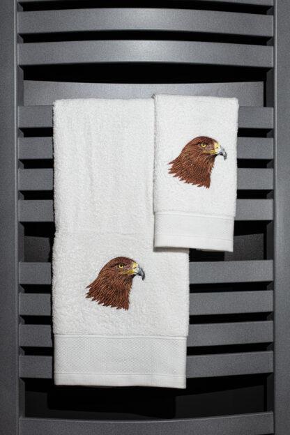 Geborduurde handdoek havik