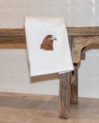 geborduurde handdoek roofvogel
