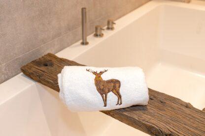 Geborduurde handdoek hert