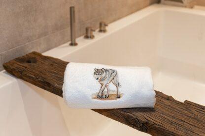 Geborduurde handdoek wolf